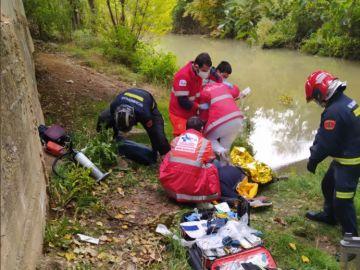 El hombre fue atendido por los Servicios de Emergencias.
