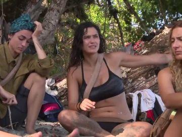 """La excusa de Mireia Borrás, diputada de Vox, cuando acusan a su grupo de haberse bebido el agua: """"Se perdió filtrando"""""""