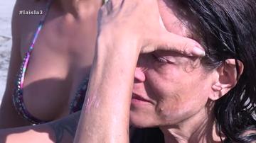 """Las lágrimas de Natalia tras quedarse """"ciega"""" por culpa de una ola"""