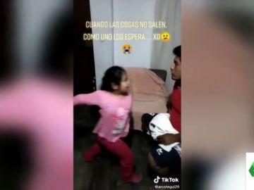 """El vídeo viral de un padre jugando con su hija que 'acaba mal': """"¡Cómo ha sonado!"""""""