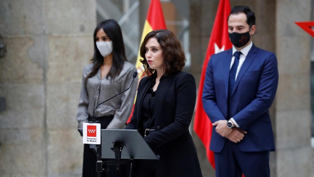 Isabel Díaz Ayuso en el homenaje a las víctimas de coronavirus en Madrid
