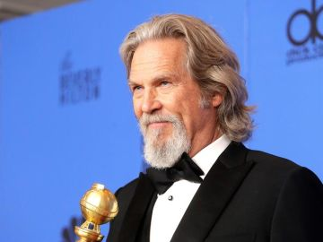 El actor Jeff Bridges en los Globo de Oro de 2019