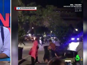 El emocionante momento en el que un pianista toca una balada de 'The Bangles' en plenos disturbios en Barcelona