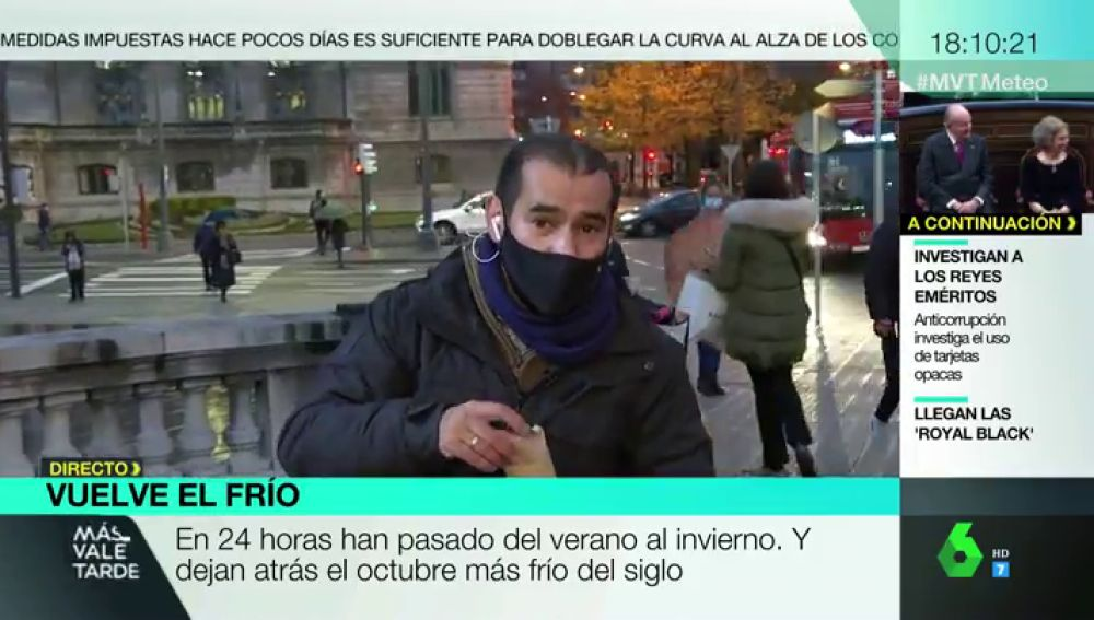 """La curiosa despedida de un directo del reportero Miguel Ambrosio a costa de las castañas asadas: """"Paga laSexta"""""""