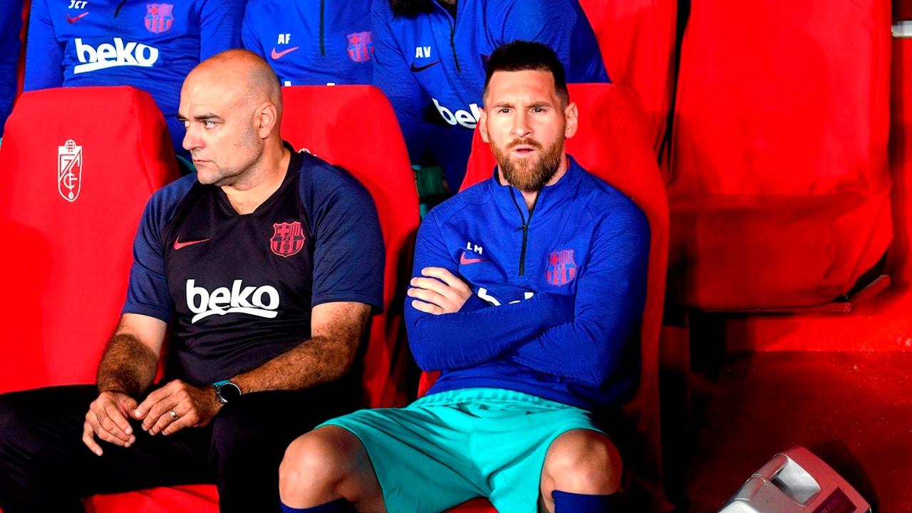 Messi, en el banquillo