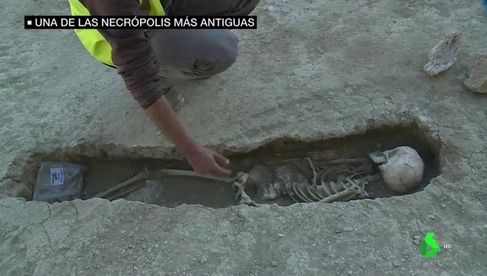 Descubren por sorpresa una de las necrópolis más antiguas de la Península
