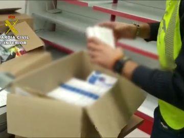 Investigados por hacer test rápidos del coronavirus en una ferretería y un bazar en Valencia