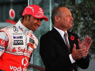 Lewis Hamilton, con Ron Dennis