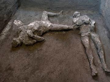Imagen de los cuerpos hallados en Pompeya