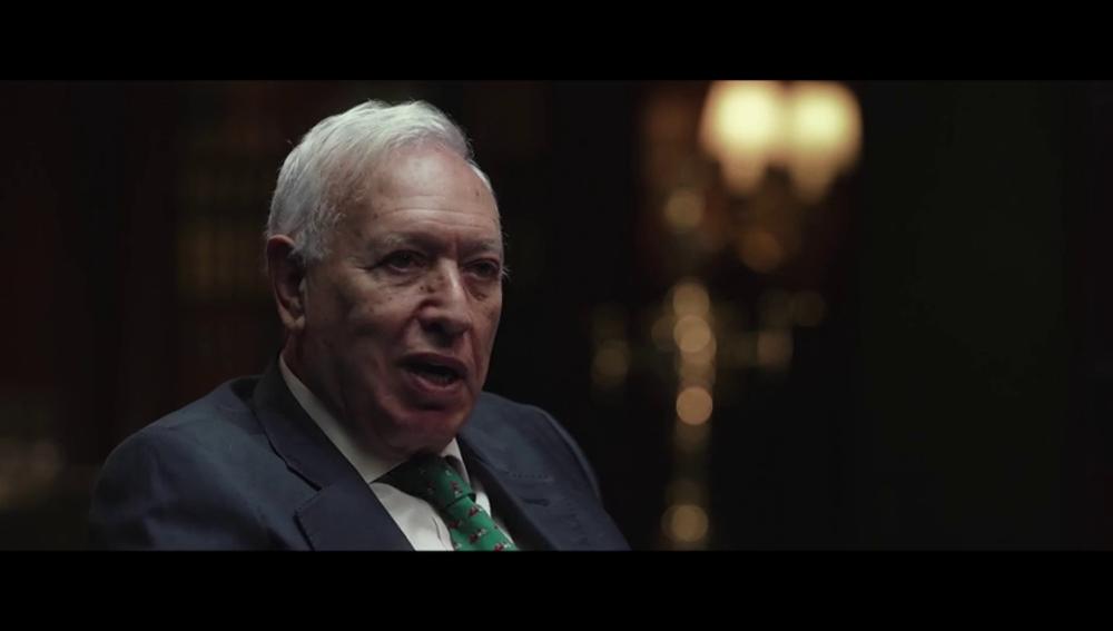 """El día que Margallo vetó a Corinna en un vuelo con el rey Juan Carlos I: """"Di orden de que la tacharan y no voló"""""""