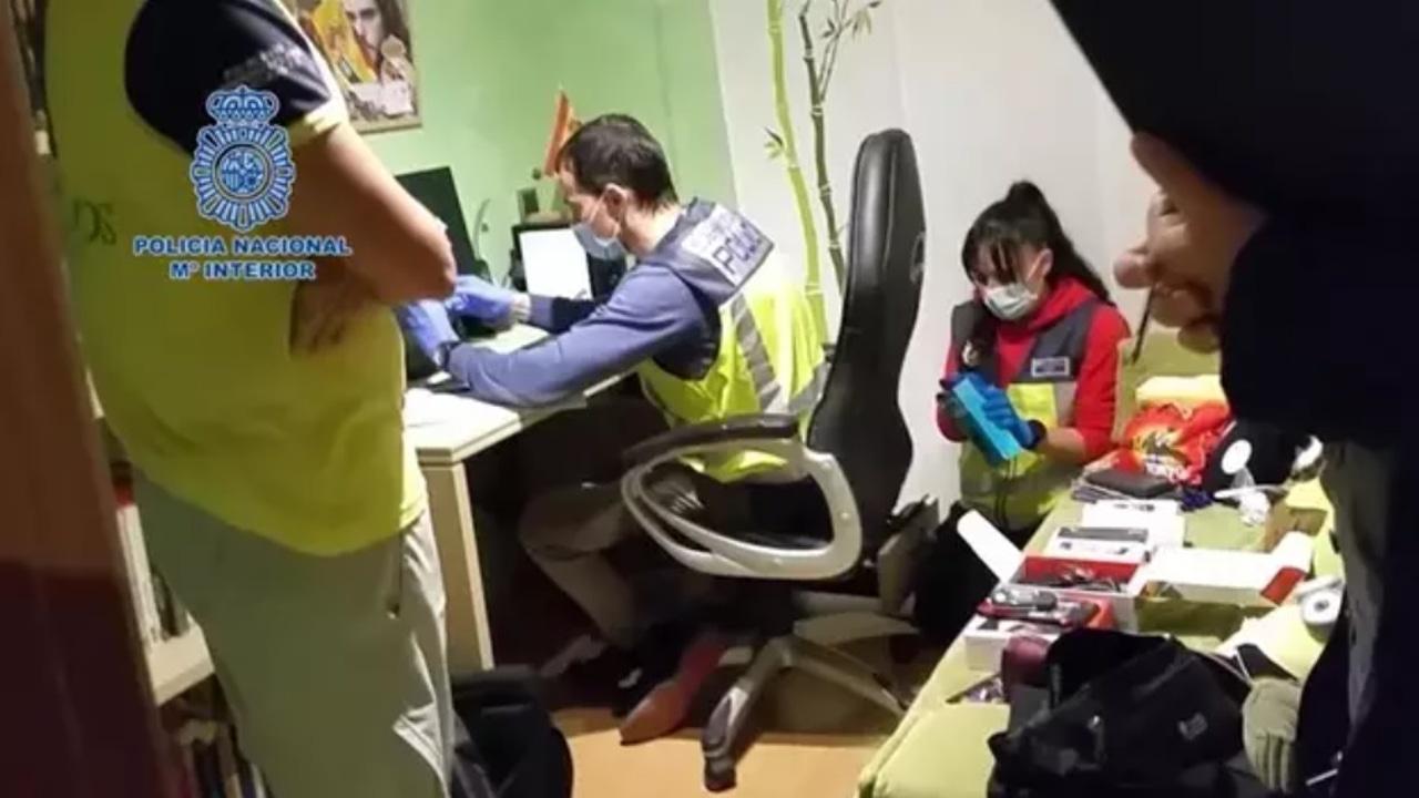 Detenidos siete pederastas en una operación contra la pornografía infantil en internet.