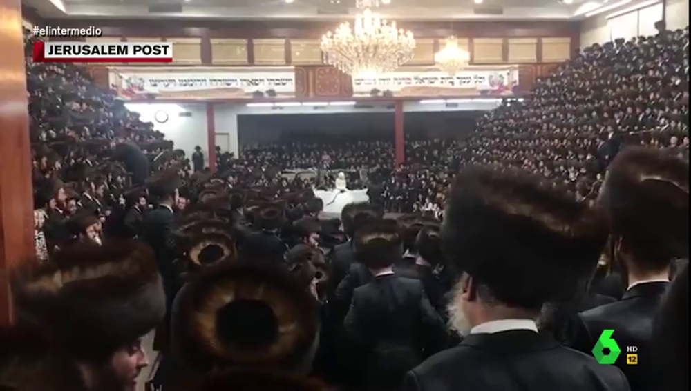 """La """"dramática"""" boda judia con más de 7.000 invitados en plena pandemia: """"Todos coinciden en modelito"""""""