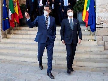 El presidente del Gobierno, Pedro Sánchez, y el primer ministro italiano, Giuseppe Conte.