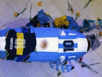 Féretro de Maradona en la Casa Rosada