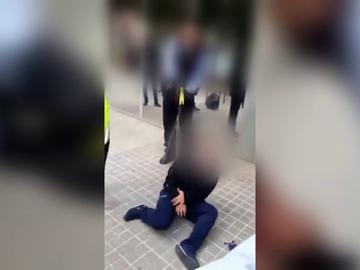 Los Mossos disparan a una joven con una pistola Taser en Sabadell a las puertas de un centro médico