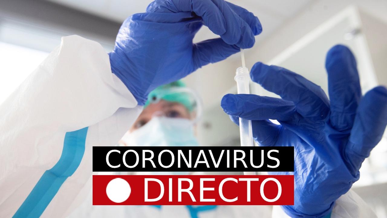 Médico atendiendo a un paciente afectado por el coronavirus