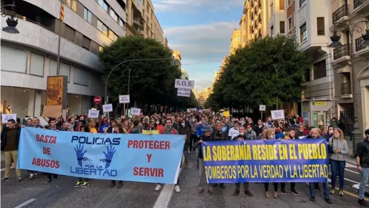 Manifestación convocada por la asociación Policías por la Libertad.