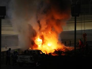 El Haas de Grosjean, en llamas