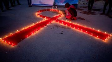 """¿COVID o SIDA? Así se estigmatiza a los señalados por el virus: """"Mi pareja me rechazó"""""""