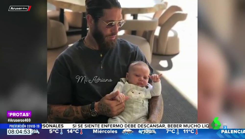 Sergio Ramos presume de hijo al enseñar el saludo más divertido del pequeño Máximo Adriano
