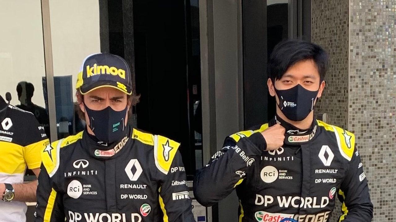 Fernando Alonso y Guanyu Zhou