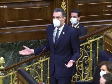 """Vídeo manipulado - Los ánimos de Arrimadas y Casado a Sánchez tras afirmar que es """"un cobarde"""" en el Congreso"""
