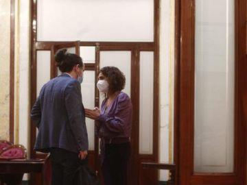 Momento de la conversación entre Pablo Iglesias y María Jesús Montero