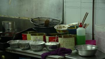 """Alberto Chicote se queda blanco al ver la falta de higiene de un restaurante chino: """"¡Madre mía, qué cocina!"""""""