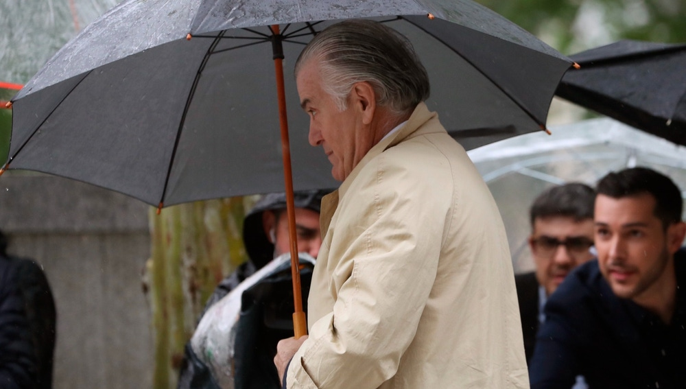 Luis Barcenas entrando a la Audiencia Nacional
