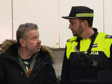 """Chicote acompaña a la Policía en el cierre de un restaurante de comida china: """"Si yo fuese bicho, también querría venir aquí"""""""
