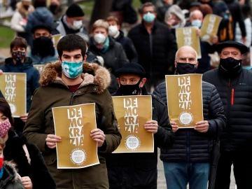 Concentración en Pamplona contra la repetición del juicio Bateragune