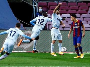 Diakhaby celebra un gol ante el Barça