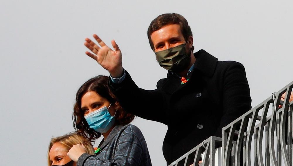 Isabel Díaz Ayuso y Pablo Casado, en la manifestación contra la 'Ley Celaá'