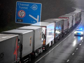 Largas colas en la frontera de Reino Unido