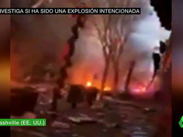 Las impactantes imágenes de la potente explosión de una caravana en el centro de Nashville, en Tennessee
