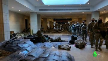 guardias durmiendo en Capitolio
