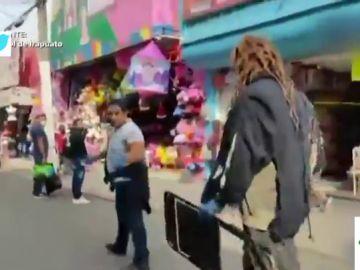 A sillazos: el surrealista método viral de un grupo de luchadores mexicanos para que la gente se ponga la mascarilla