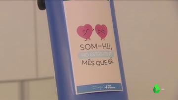Goteros escondidos tras dibujos y mensajes de esperanza para humanizar la estancia de los pequeños en el hospital