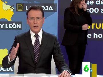 """El mal rato de Mónica Carrillo en pleno informativo que salvó Matías Prats: """"No puedo hablar"""""""