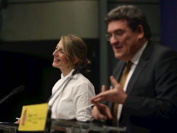 La ministra de Trabajo, Yolanda Díaz, y el ministro de Inclusión, José Luis Escrivá