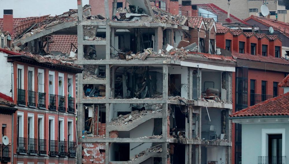 El estado en el que ha quedado el edificio tras la explosión en Madrid