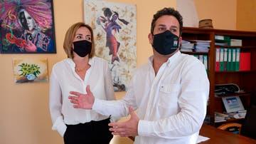 Carolina Vives y Ximo Coll, alcaldes de Els Poblets y El Verger respectivamente