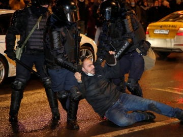 Uno de los manifestantes que pide la libertad de Navalni acaba detenido por la Policía