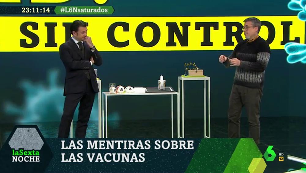 No, la vacuna contra el coronavirus no te hace gay: desmentimos este y otros bulos con Alfredo Corell