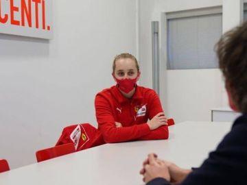 Maya Weug, primera mujer en entrar en la Ferrari Driver Academy