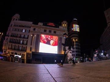 Plaza de Callao en Madrid a las 22:00 horas, coincidiendo con el toque de queda