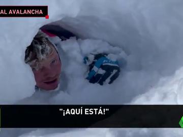 Varios motoristas quedan sepultados bajo la nieve tras una tremenda avalancha