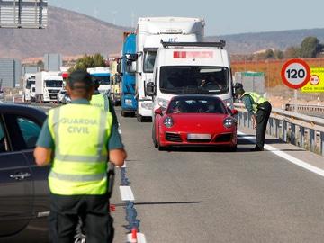 Un control de la Guardia Civil en la A-31 en la provincia de Alicante