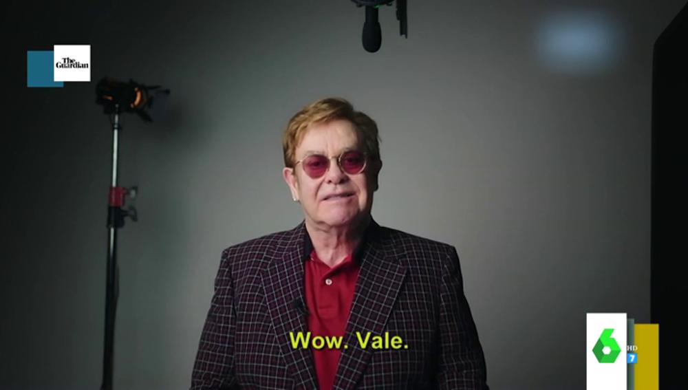 Elton John y Michael Caine animan a los mayores a vacunarse