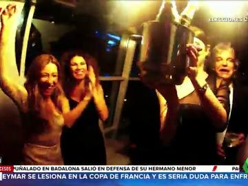 Aruser@s muestra las imágenes de sus colaboradores de fiesta antes de la pandemia de coronavirus